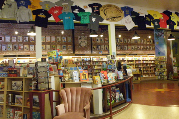 Copperfield's Books – Petaluma.png